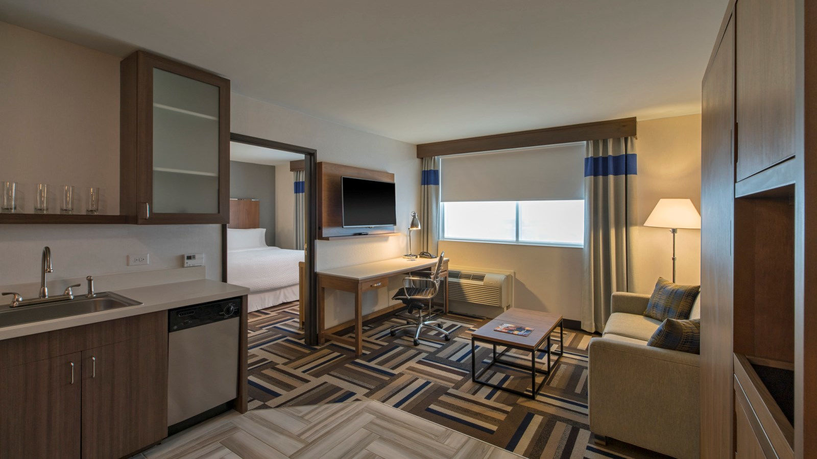 Midland Accommodations - Suite