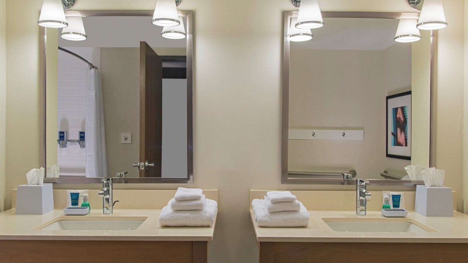 Midland Accommodations - Accessible Guest Room